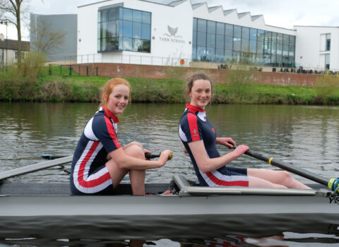 Two Former Pupils Go Head-to-Head in Gemini Boat Race